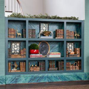 Atlanta-Holiday-showhouse-shelves.jpg