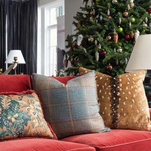 Atlanta-Holiday-showhouse-throw-pillows.jpg