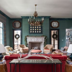 Atlanta-Holiday-showhouse-living-room-fireplace2.jpg