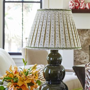 BaldHead-SC-LivingRoom-lamp.jpg