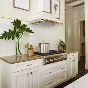 BaldHead-SC-kitchen-stove.jpg